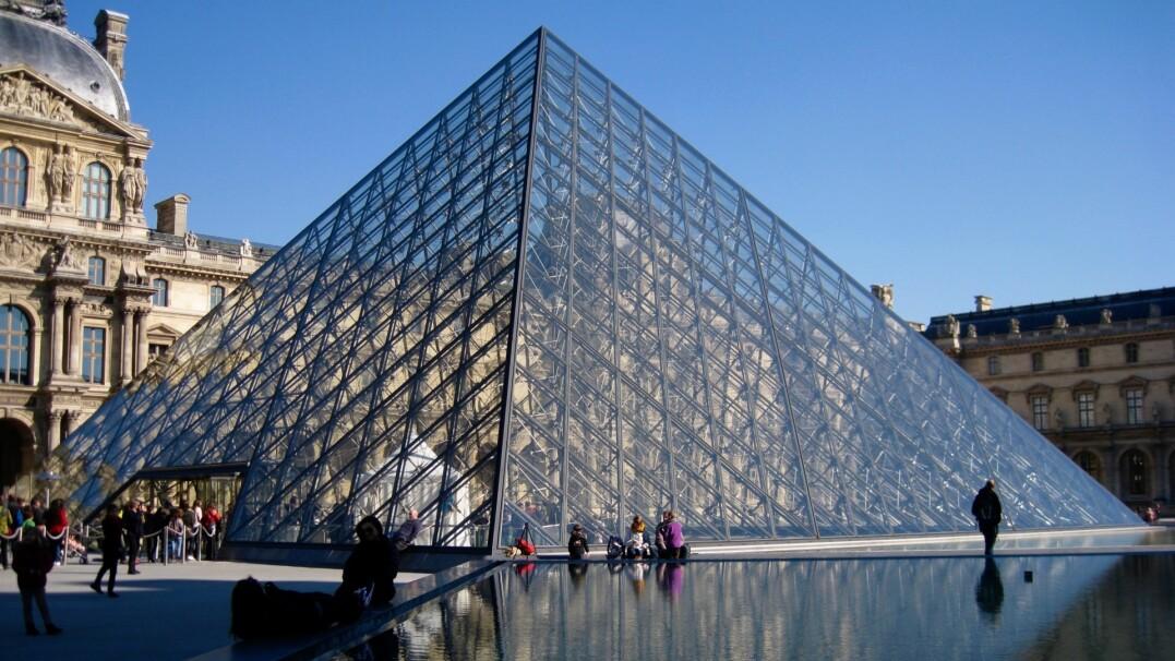 """Podczas kwarantanny Luwr """"odwiedziło"""" ponad 10 milionów e-turystów"""