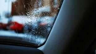 Pogodowe utrudnienia na drogach w wielu regionach kraju