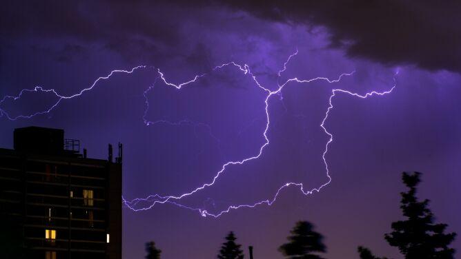 Niebezpieczna pogoda w Polsce. <br />Upał, możliwe też burze z gradem