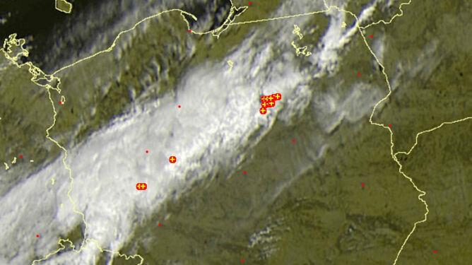 Burze przemierzają Polskę. Niektórym mogą towarzyszyć gradobicia